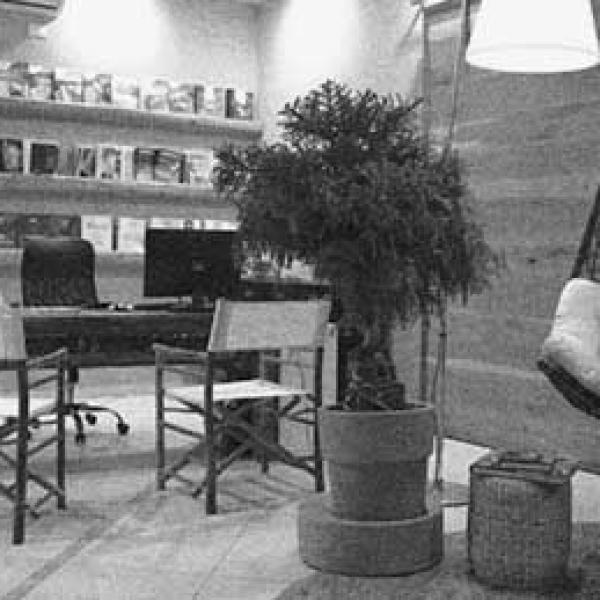 Ferretti studio home for Arredamento agenzia viaggi